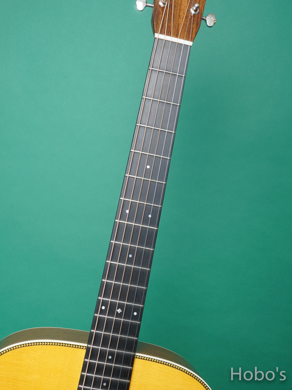 "MARTIN OMJM ""John Mayer Signature Edition""      3"