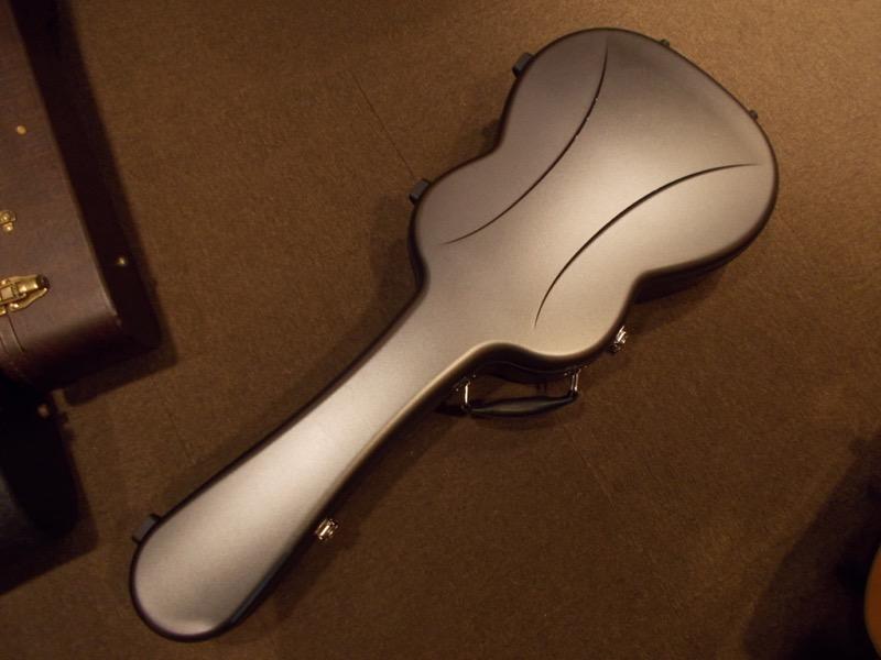 "MARTIN OO-42 Custom ""Brazilian Rosewood""     CASE"