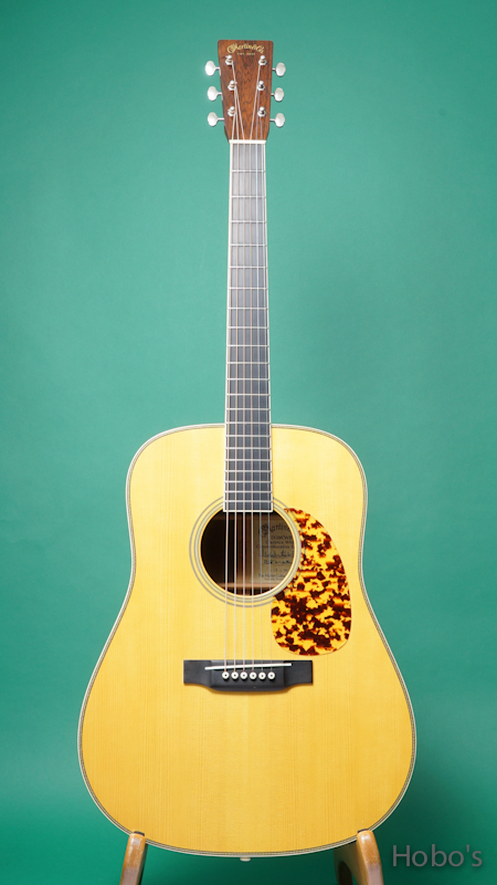 """MARTIN D-28CWB """"Clarence White Commemoretive Edition""""   FRONT"""