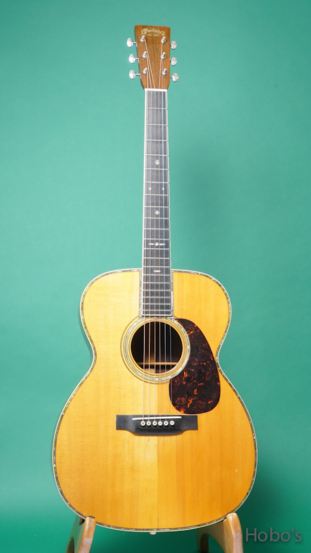 MARTIN OOO-42 FRONT