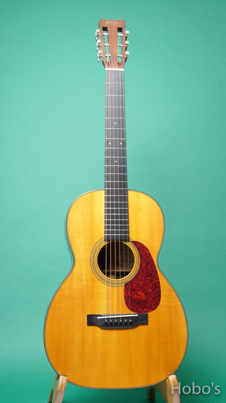 MARTIN OO-21GE FRONT