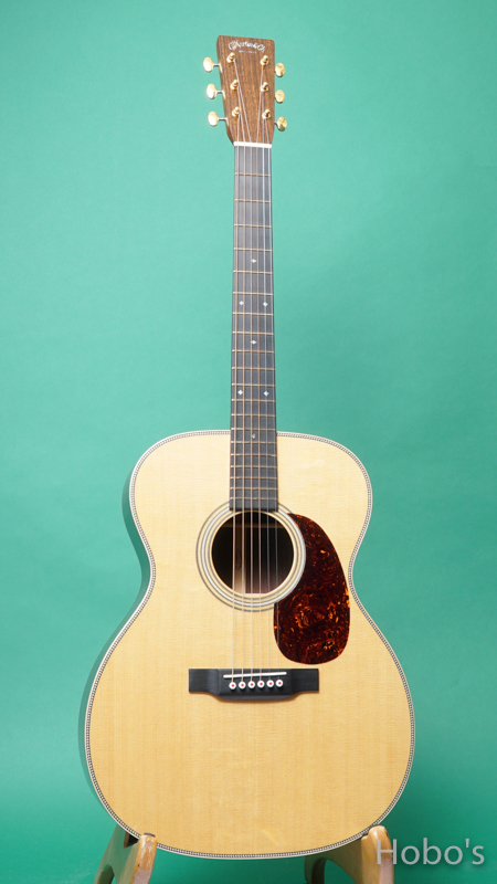 MARTIN OOO-28 Modern Deluxe FRONT