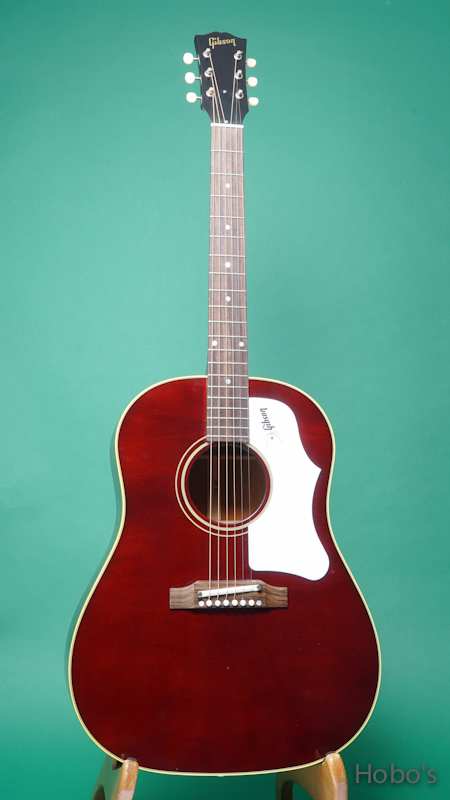 GIBSON J-45 1960's Wine Red  FRONT