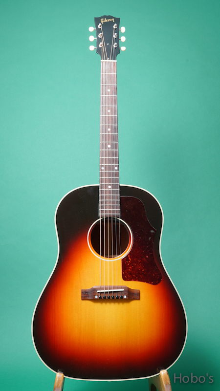 "GIBSON J-45 1950's ""Red Spruce Top"" FRONT"