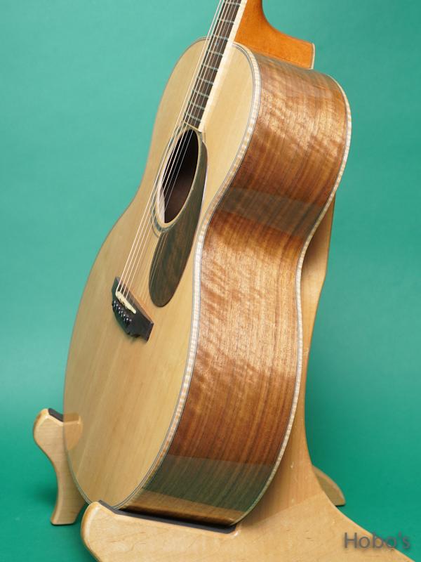 "Yoshi Guitar (山村 義成) Model SJ ""Curry Black Walnut""  8"