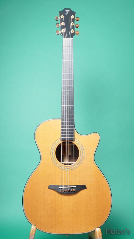 FURCH GUITARS OM23 CRCT FRONT
