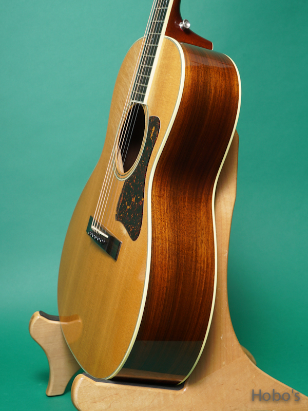 """COLLINGS C-10 Deluxe """"Lacquer Finish""""  8"""