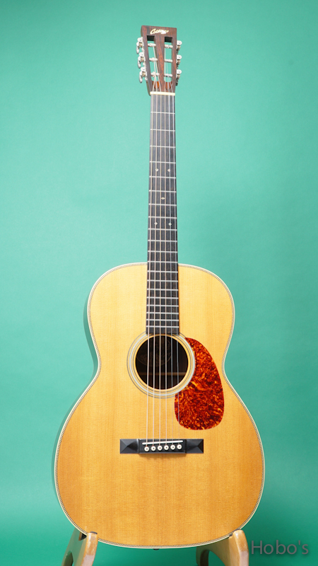 COLLINGS OOO-2H FRONT