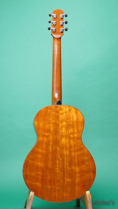 "Iinuma Guitars (飯沼 哲) Model A ""Sitka / Quilted Mahogany""     BACK"