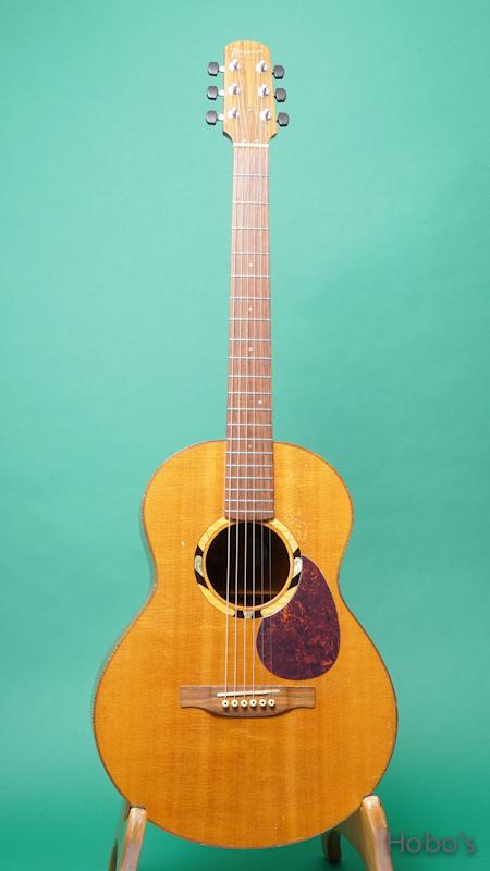 "Iinuma Guitars (飯沼 哲) Model A ""Sitka / Quilted Mahogany""     FRONT"