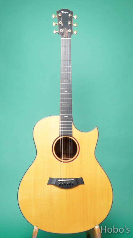 """TAYLOR Custom GO """"AAA Sitka Spruce Top""""  FRONT"""